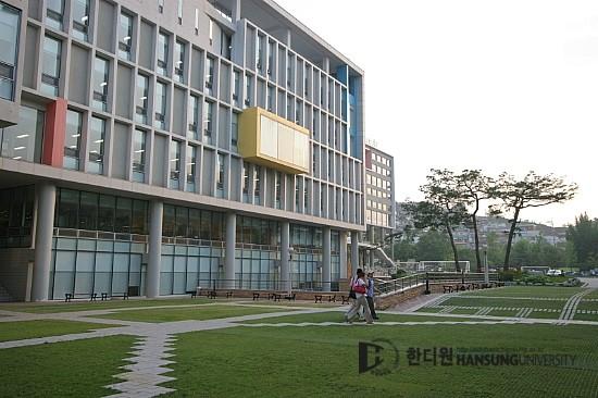 한디원 실내디자인과 송백선(국민대학교 일반대학원 공간 디자인학과)