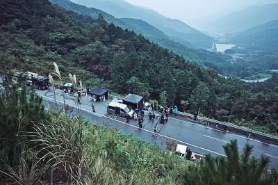 나홍진에게 현혹당했다