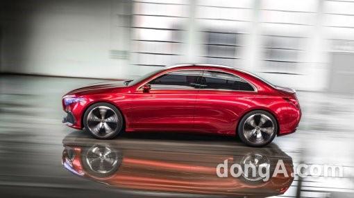 메르세데스-벤츠의 새로운 소형차, '컨셉트 A 세단' 상하이 모터쇼에서 공개 - 포스트