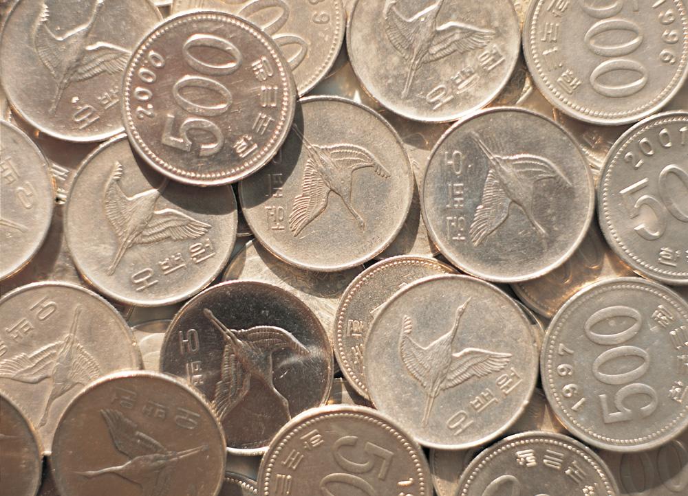 [일반경제] 동전 없는 사회 구현될까... 거스름돈은 스마트폰에 쏙!