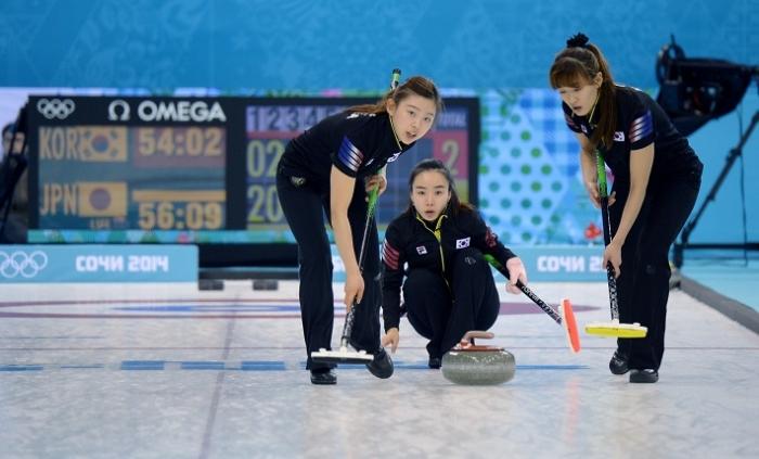 첫 메달 꿈꾸는 여자 컬링, 첫 상대는 '세계 챔피언' 캐나다