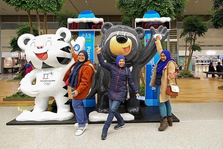 마스코트가 함께한 인천공항 제2여객터미널 개항