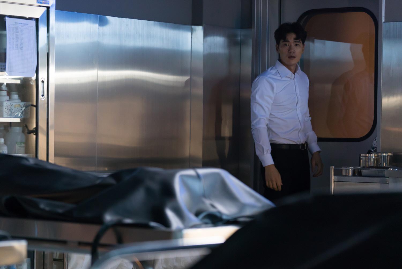 사라진 밤(2018) 원작 더 바디 결말까지 비교 후기