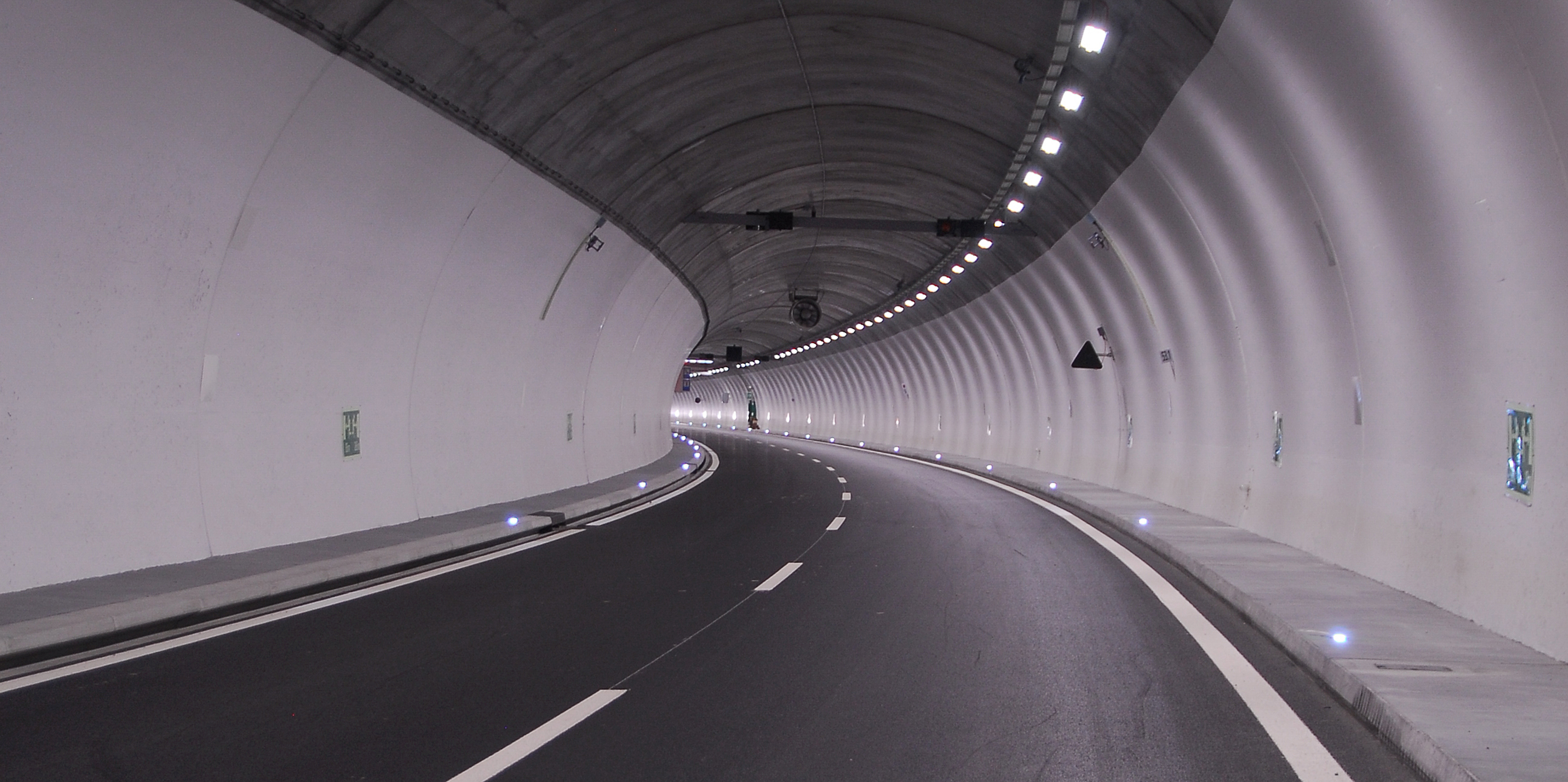 터널 화재 사고, 어떻게 대처해야 할까?