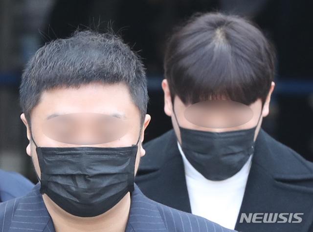 클럽 버닝썬, '미성년자 고용' 불법영업 적발