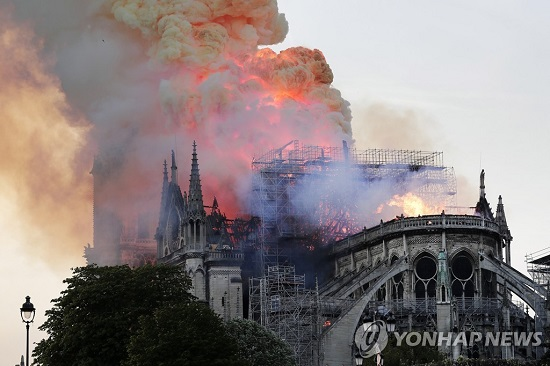 파리 노트르담 대성당 화재, 충격과 비탄의 佛길…프랑스 대혁명 이후 대재앙
