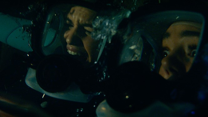 영화 47미터 2 블라인드 샤크 보다 더 절망에 빠지게 만드는 상황의 연속.