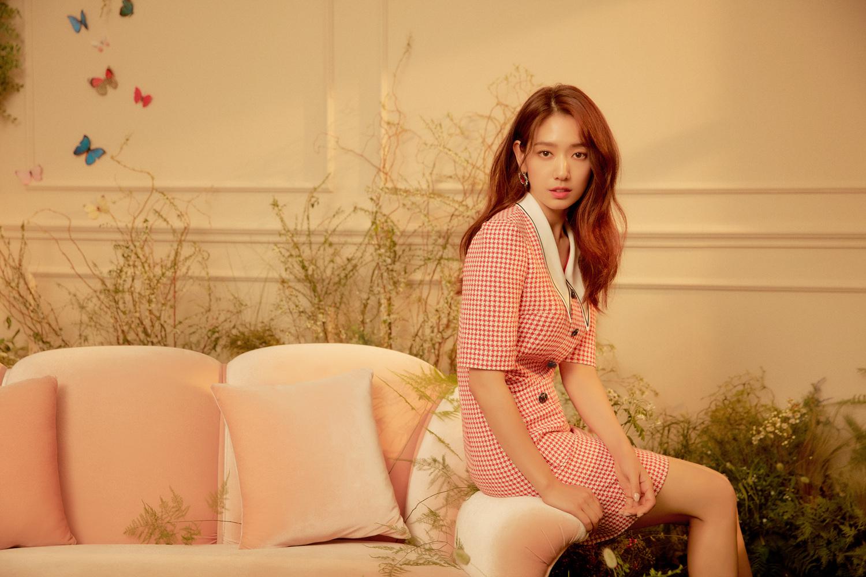 박신혜 패션, 모조에스핀 화보 속 컬렉션으로 봄 스타일링 준비해보세요!