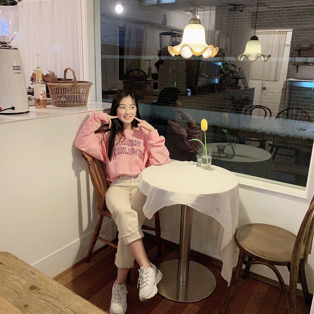 ❃봄❁ 과 함께 찾아온김보라, 김혜윤, 박유나의스타일링 TIP