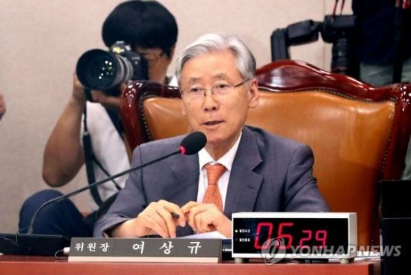 """여상규 """"XX 같은 게"""" 국감장서 김종민에게 욕설 논란(영상)"""
