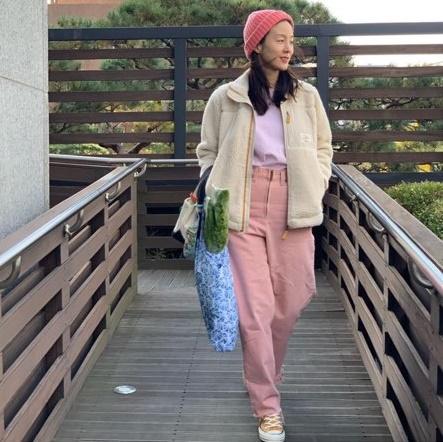 문정원 인스타그램 속 온앤온 코트 & 후리스 점퍼로 여자 데일리룩 패션 참고해봐