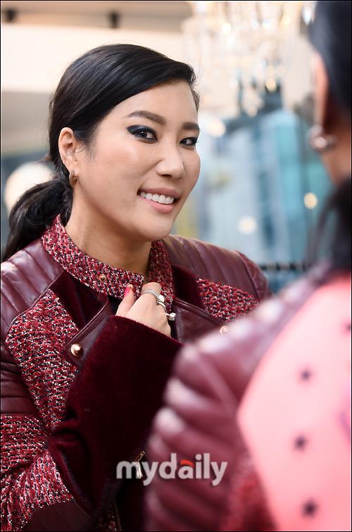 """'그리디어스' 박윤희 디자이너 """"전 세계가 알아야 최고가 되는 것"""""""