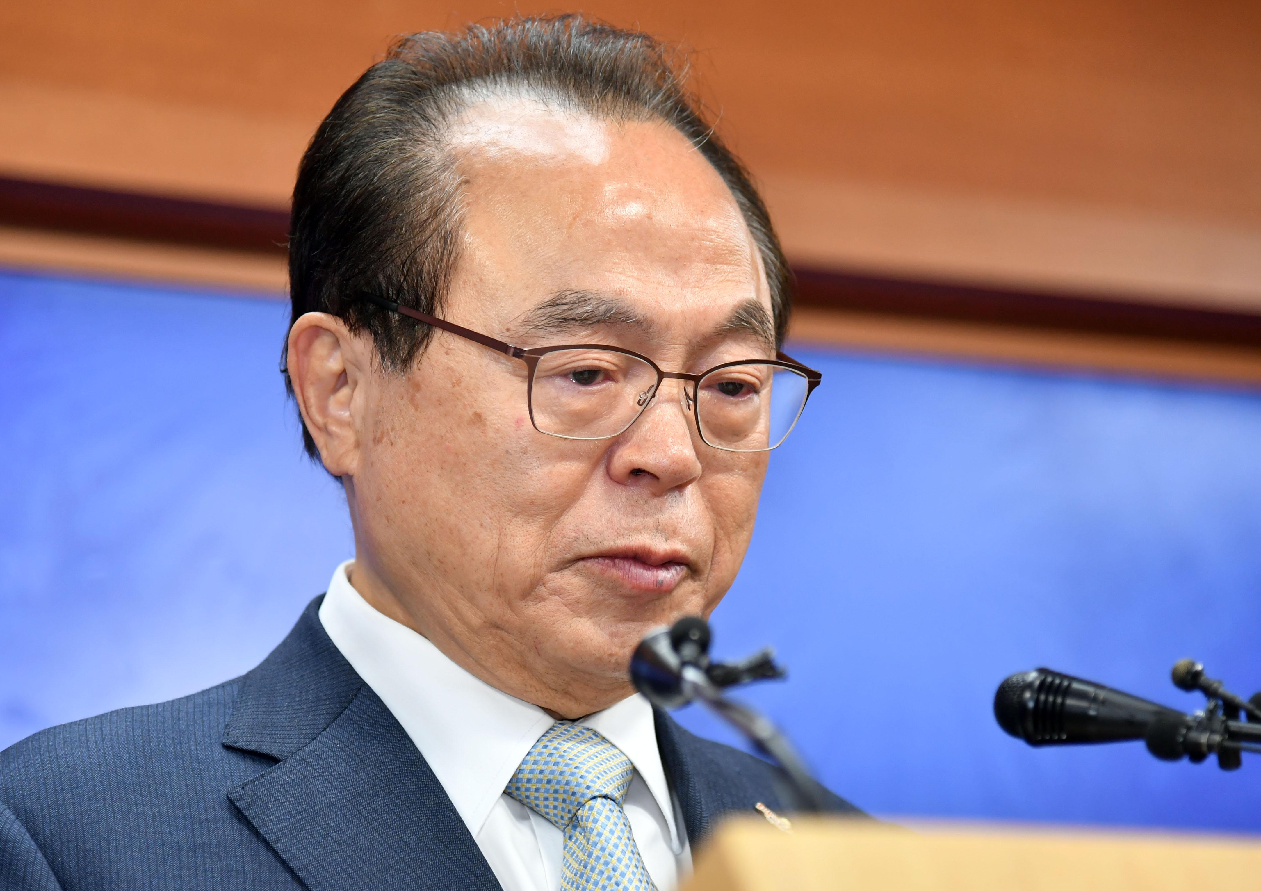 오거돈 부산시장 사퇴 '여성공무원 강제 추행'