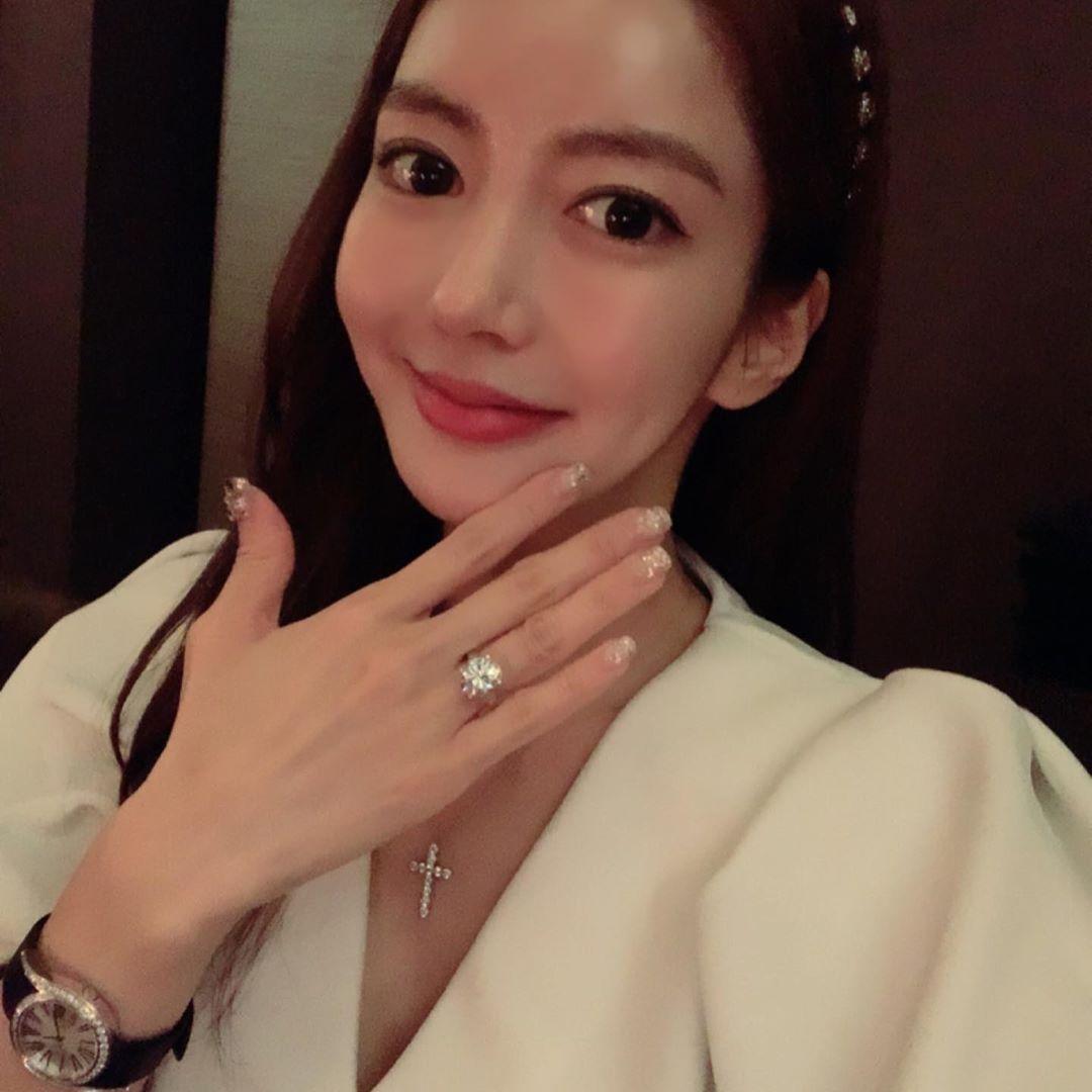 '박현선에 왕 다이아몬드 선물한' 이필립의 놀라운 재산 규모